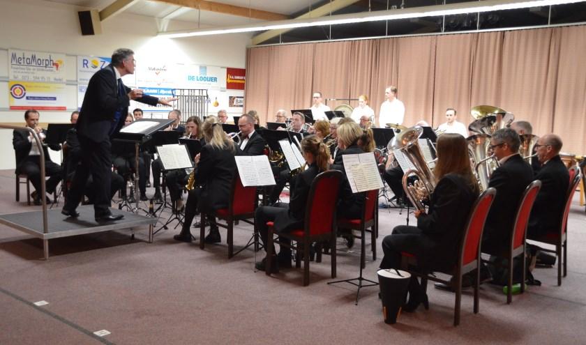 Eén van de eerdere concerten in oefenhal de Heerlijkheid.