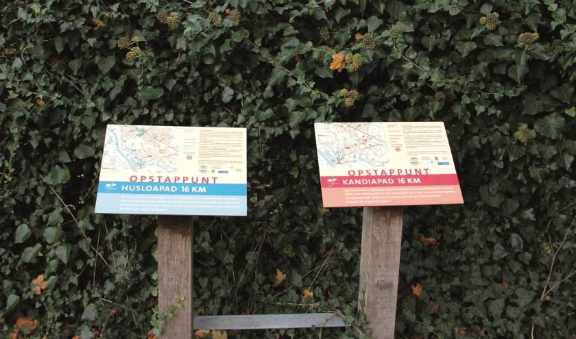 Twee opstappunten van klompenpaden bij De Waay in Groessen.