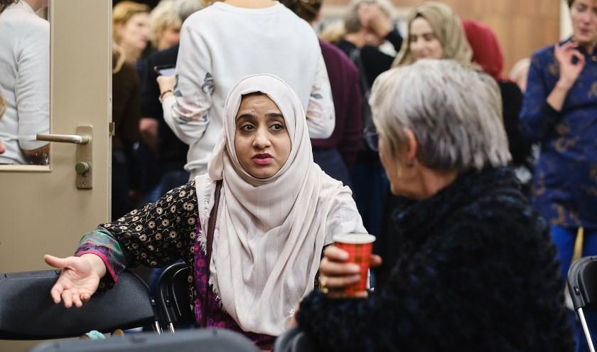 Tijdens de bijeenkomsten nemen de deelnemers de tijd om nu eens echt naar elkaar te luisteren.