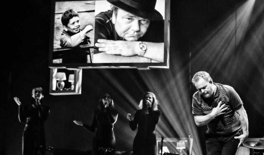 Op woensdag 8 januari 2020 staat Martijn Fischer in het oude Luxor Theater. Foto via Luxor Theater