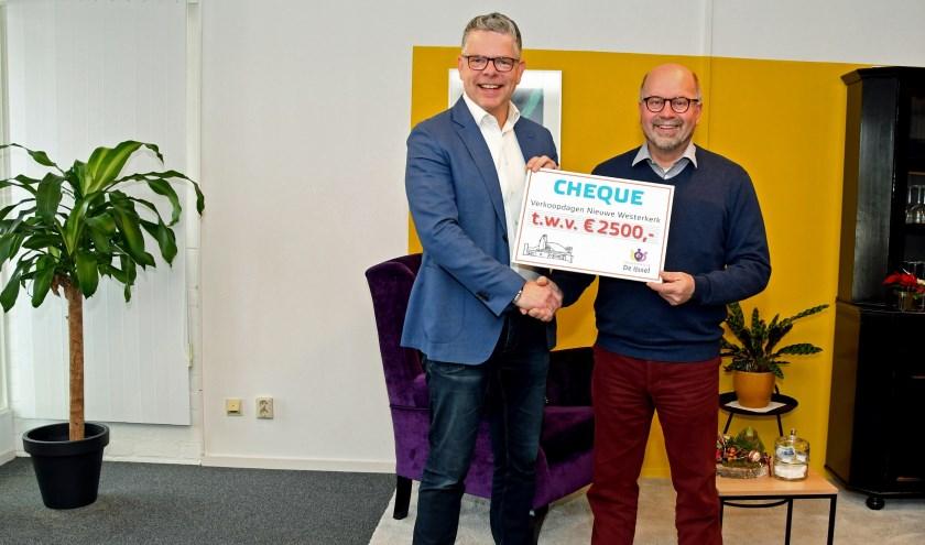Links Anton Maurik en rechts Arie de Jong