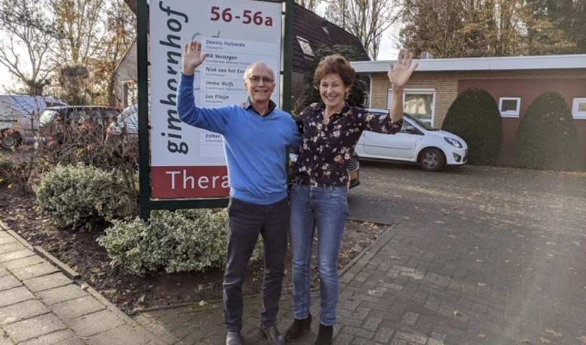 Hans van Laarhoven en Imma Wolfs zwaaien eind dit jaar af bij Therapie Praktijk Gimbornhof. Ze gaan genieten van hun rust en andere interesses. (foto: PR)