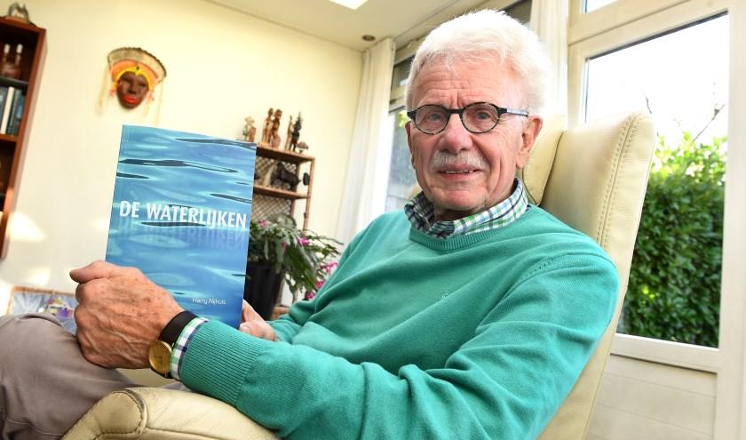 """Harry Nijhuis: """"Nu, in de periode van 75 jaar bevrijding, komen overal herinneringen naar boven."""" (foto: Roel Kleinpenning)"""