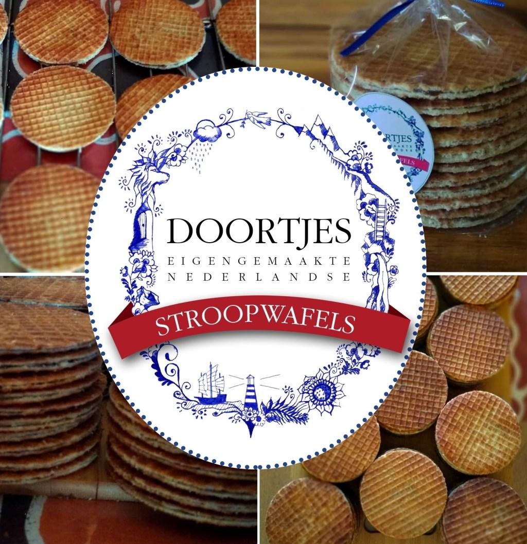 Logo met stroopwafels op de achtergrond Foto: Jac-Louis van Rooyen © DPG Media