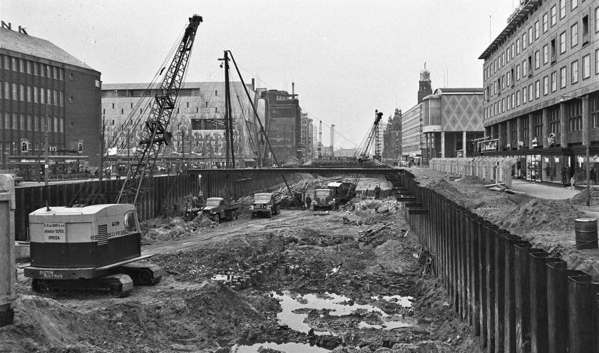 De bouw van de metrotunnel onder de Coolsingel in de jaren '60 | Foto: ANP