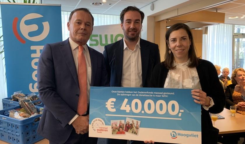 Vlnr: Siep de Haan (Hoogvliet), Daan Krijger (Nationaal Ouderenfonds) en Else Hofland (Nationaal Ouderenfonds).