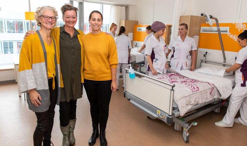 Marieke van Gilsdonk (midden) samen met Agnes Schipper, teamhoofd van de longafdeling, en Tamara Luchthart, verantwoordelijk voor de dagelijkse coördinatie van de winterunit.