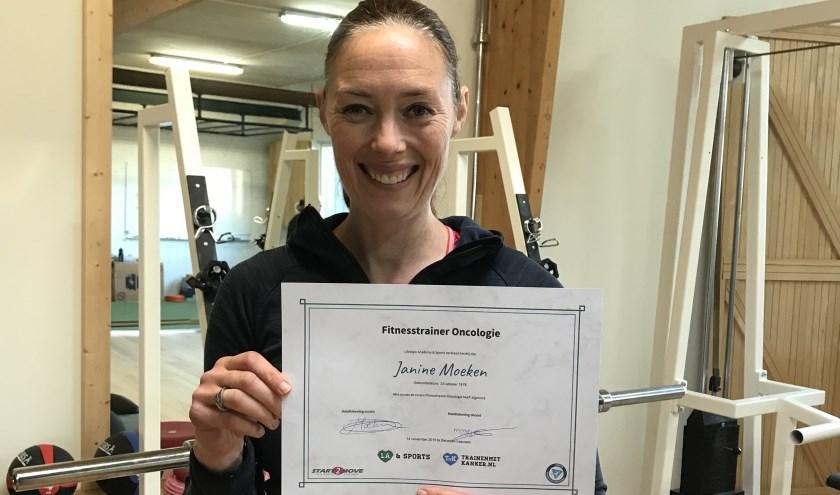 Janine Moeken met diploma Fitnesstrainer Oncologie.