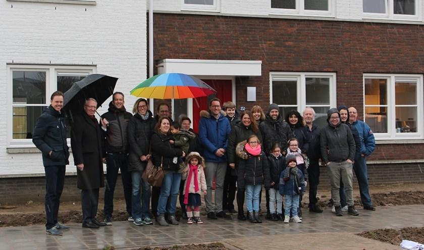 Onlangs was er een ontmoeting van het bestuur met de huurders. De gezellige bijeenkomst stond in het teken van de oplevering van de woningen.