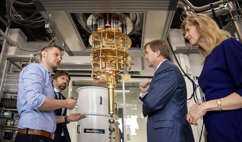 <p>In 2019 opende koning Willem Alexander het Delftse quantumlab (foto: Microsoft).</p>