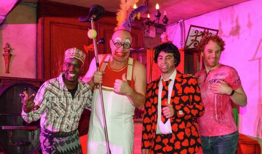 Tonpraters Ali, Ben van 't Circus, Benny Vrijgezel en kapper Amai.
