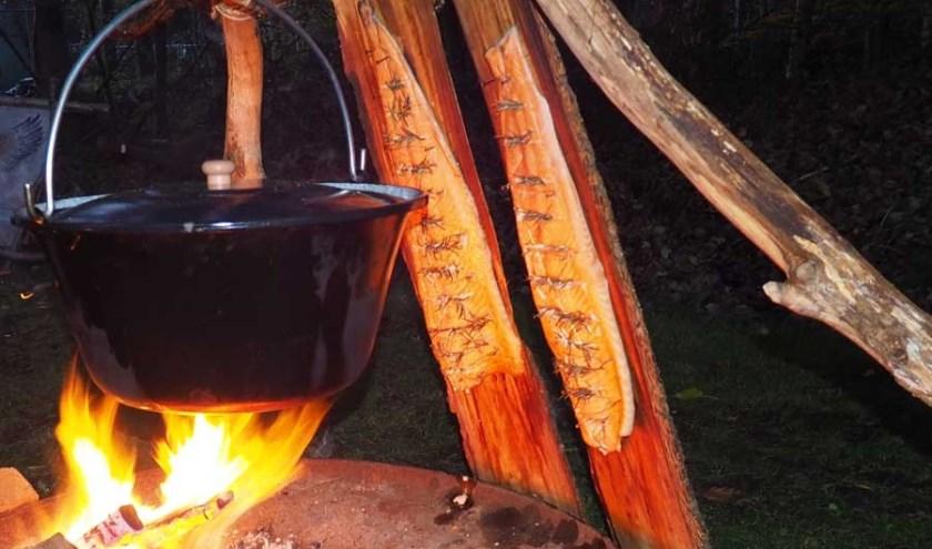 BosKoken is een beleving. Op pad door de natuur en dan koken met de ingrediënten die je onderweg vindt.