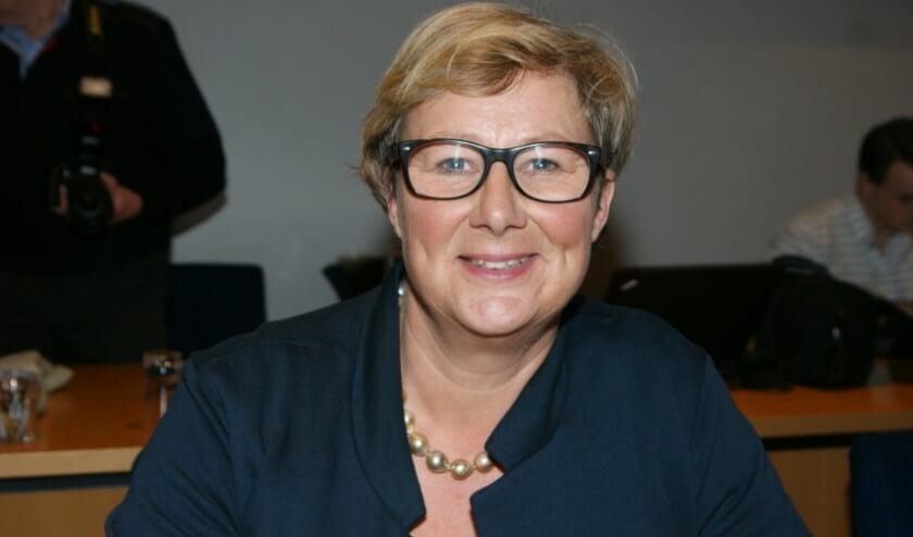 <p>Wethouder Yvonne Peters is blij met de nieuwe aanbesteding voor laadpalen door ENGIE.</p>