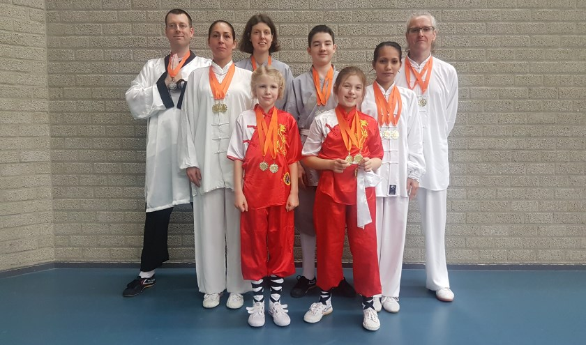 """Team Shaolin Kungfu Apeldoorn bij de """"Golden Bridge"""""""