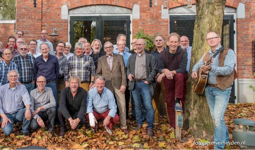 Het eigenzinnige Bredase mannenkoor Heerenleven houdt zaterdag 30 maart een feestavond in Oncle Jean.