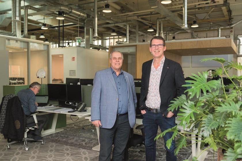 Henri Sanders van Interstap (links) en manager Wilfred Hekkers van de Regionale Sociale Dienst De Liemers.