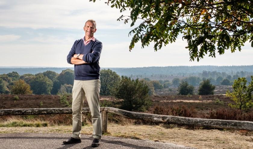 Jeroen Piksen draagt de Sallandse Heuvelrug een warm hart toe en maakt zich er sterk voor in de provincie. Foto: Rick Meinen.