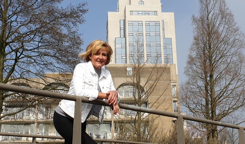 Benita van Wegen, voorzitter van de RVOZ roept iedereen op om de lokale economie te steunen.