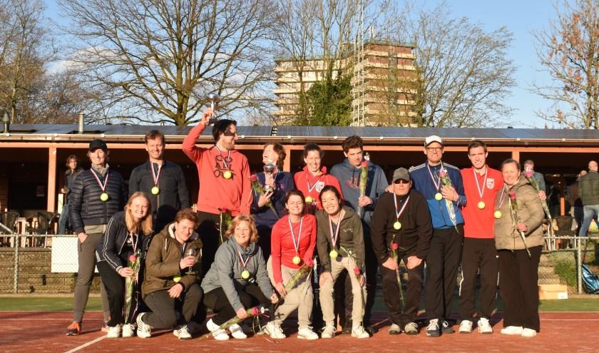 Finalisten van de clubkampioenschappen tennis. (foto: Corine in 't Anker)