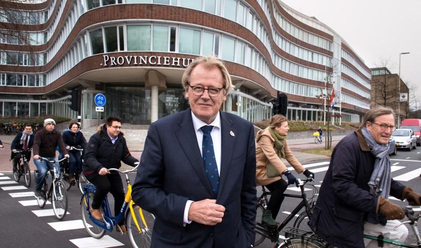 """Jaap Smit is Commissaris van de Koning in Zuid-Holland. Volgend jaar loopt zijn termijn af, maar hij is nog niet klaar met zijn werk. """"Je investeert in deze baan veel in relaties."""""""
