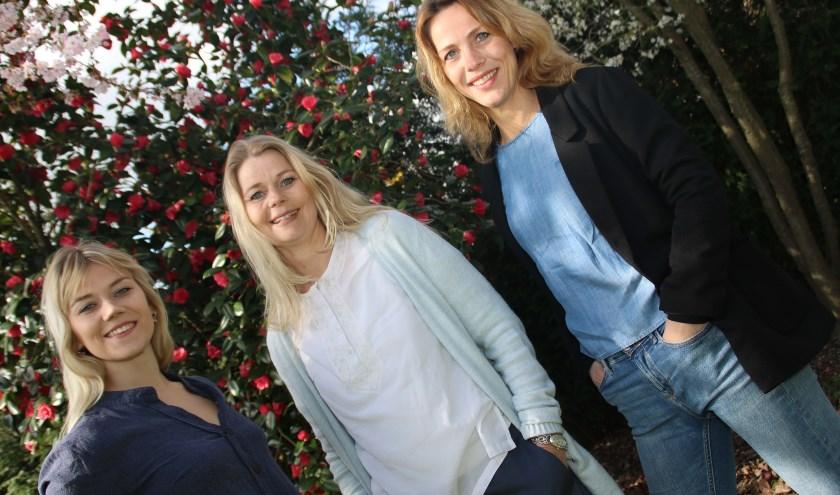 """Nathalie, Annemieke en Laura: """"We hebben allemaal hetzelfde doel; iets voor een ander willen betekenen.""""(foto: Grietje-Akke de Haas)"""