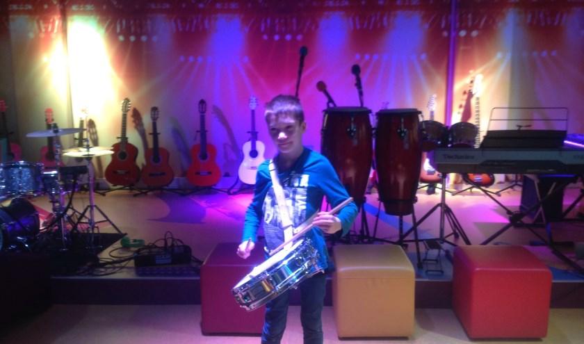 Joris is bij de plaatselijke harmonie gaan spelen en kwam trots laten zien wat hij nu allemaal kon.