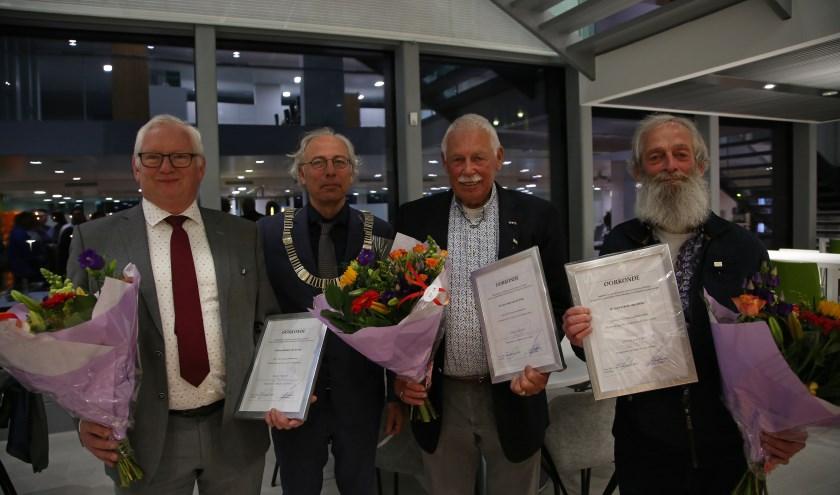 Gemeentelijke onderscheidingen voor Woerdense raadsleden. Foto: Alex de Kuijper.
