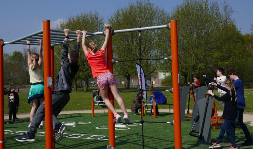 Inmiddels zijn er in het Baxpark speciale fitnesstoestellen geplaatst, die door iedereen 24 uur per dag zijn te gebruiken.