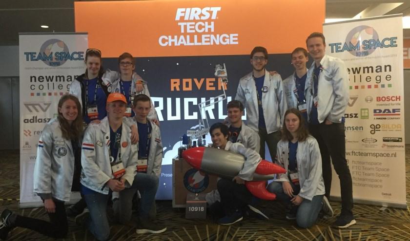 Het - uit elf leerlingen van het Newmancollege uit Breda bestaande -Team Space maakte met een prachtige zevende plek indruk op het wereldkampioenschap First Tech Challende in Detroit in de VS.