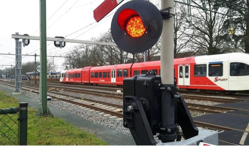Op deze archieffoto rijdt er nog in trein. Momenteel zul je dit niet zien, want er is een sein- en wisselstoring op het traject Arnhem-Winterswijk.