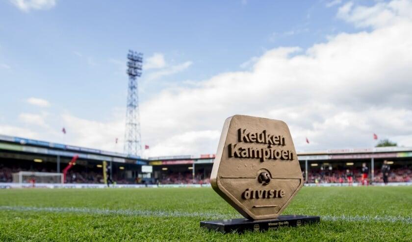 De trofee van de Eerste Divisie.