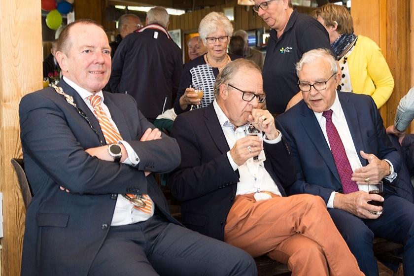 V.l.n.r.: burgemeester Rik de Lange en zijn voorgangers Henk Zomerdijk en Fons Lichtenberg.