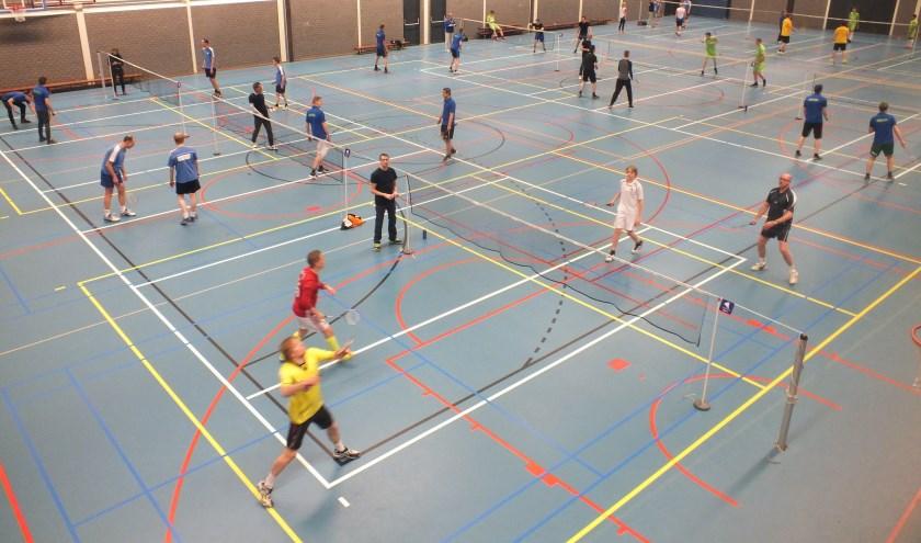 Sfeerimpressie Recreatief Badmintontoernooi