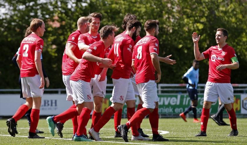 Rhoon had weer reden tot juichen afgelopen weekend thuis tegen Rijnmond Hoogvliet Sport (foto: John de Pater)