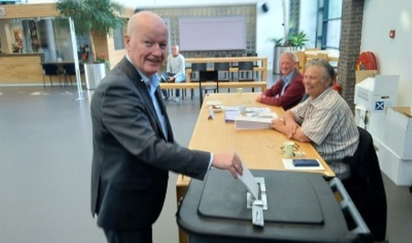 Burgemeester Ruud van Bennekom brengt zijn uit