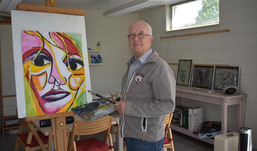 """Rudi Huurneman: """"Schilderen is vooral mooi vanwege het creatief bezig zijn."""" Foto: Jolien van Gaalen."""