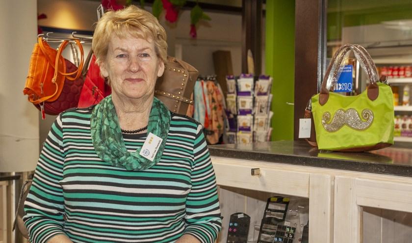 Sari van Dommele is 18 jaar geleden begonnen als vrijwilliger bij UVV. (FOTO: Cees van Meerten / FotoExpressie)