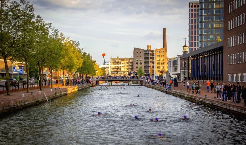 Geef je nu op en doe mee aan A Local Swim. En dat allemaal tegen ALS. Foto: Janiev Damhuis