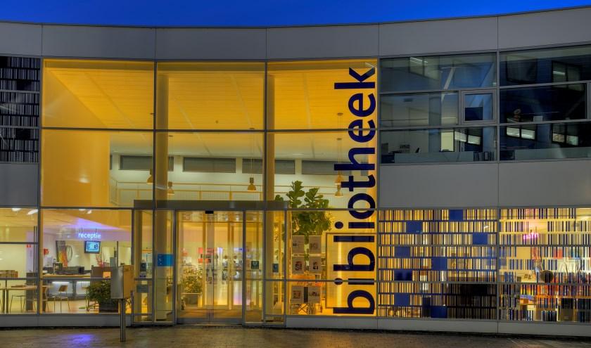 Samen lezen is inspirerend, gezellig en een heel goede manier om andere mensen te leren kennen. Foto: Bibliotheek aan de Vliet.