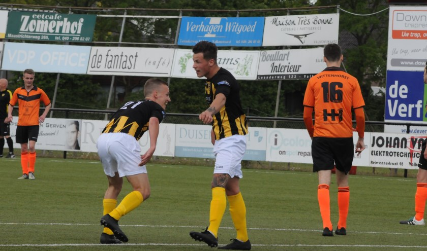 Tim Bombeek viet het tweede doelpunt dat hij scoorde namens De Valk.