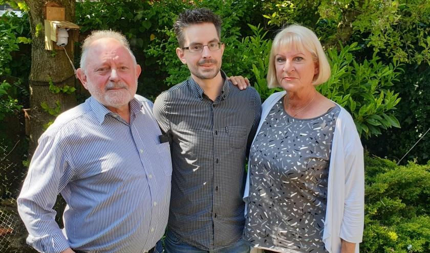 Peter en Ina stijden samen met hun zoon Stephan tegen zijn ziekte MS. Foto: Robbert Roos