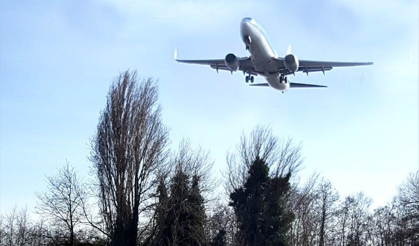Het aantal meldingen over vliegtuigoverlast boven Gouda neemt de laatste tijd fors toe. Foto: Marianka Peters