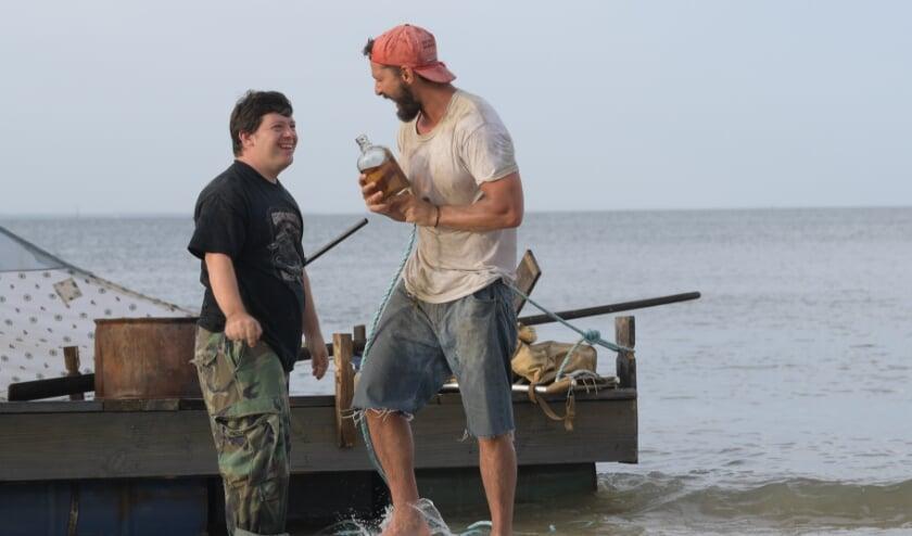 Zak en Tyler, de twee hoofdrolspelers in 'The Peanut Butter Falcon'.