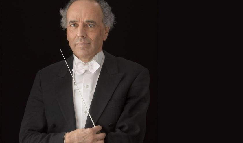 Ed Spanjaard stopt als vaste dirigent van het Orkest van het Oosten. Foto: Mark Kohn