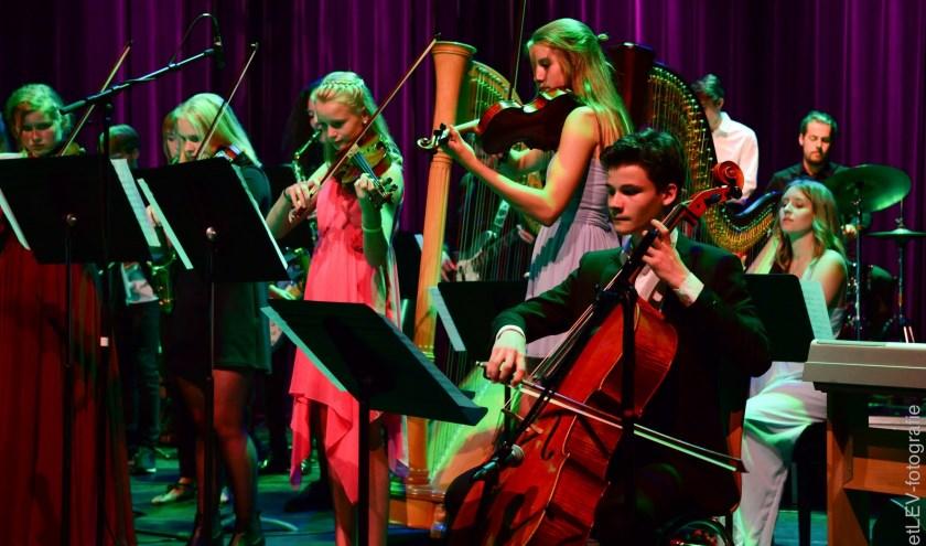 Tijdens de Night of Talent 'on tour' spelen de talenten van muziekschool Het Klooster op diverse plekken in het centrum van Woerden.