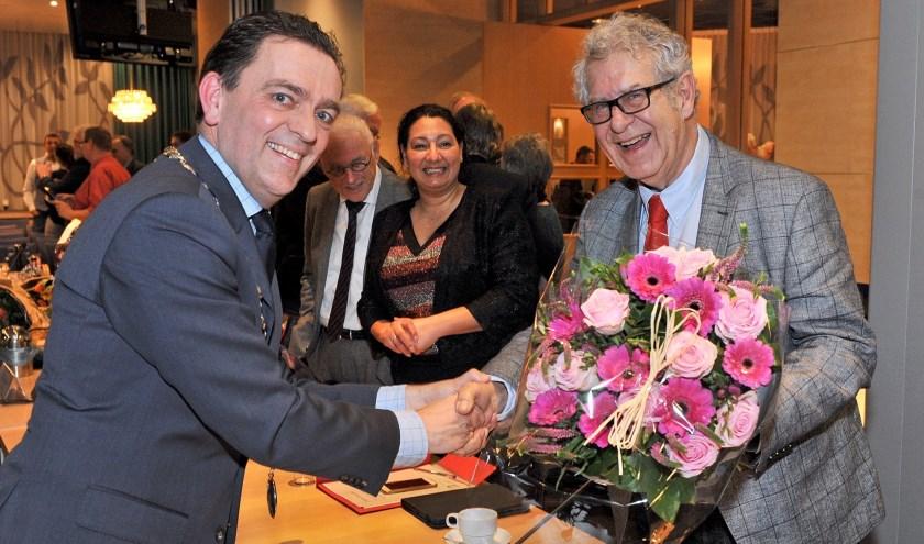 Burgemeester Michel Bezuijen (links) en Oud-wethouder Wim Mateman (Rechts).