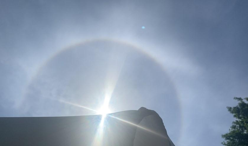 Een halo rondom de zon