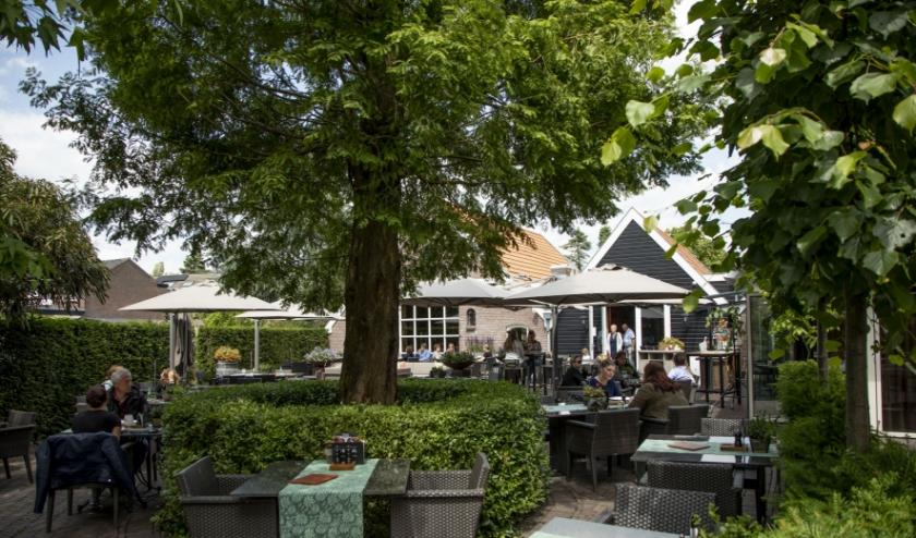 Het terras van restaurant Vendel in Veenendaal is ook weer open.