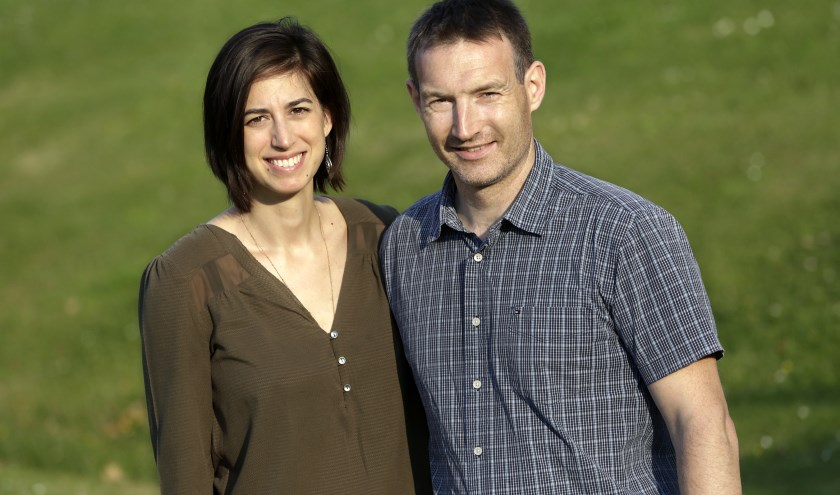 Stéphane en Noélie worden het lovend en biedend erover eens dat ze zeker nog tien, vijftien jaar blijven. FOTO: Jurgen van Hoof.