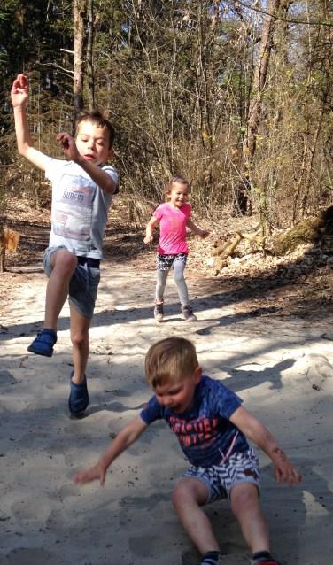 Kinderen kunnen naar hartenlust spelen op het nieuwe Groote Kikkerpad.